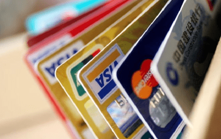 Можно ли перевести деньги на карту другого банка