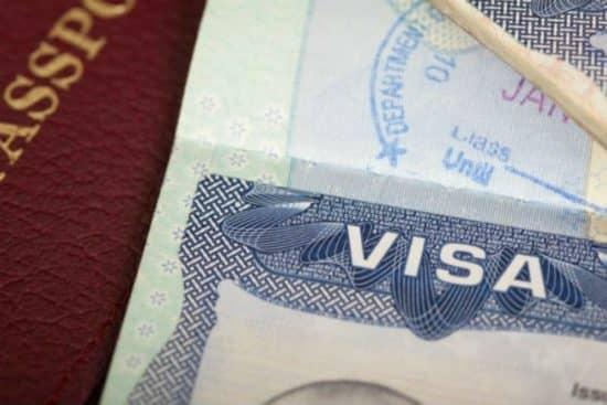 Разрешения на въезд и визовые требования