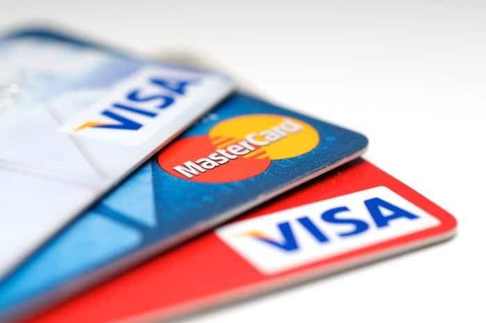 Когда происходит перевыпуск зарплатной или пенсионной карточки в Альфа Банке