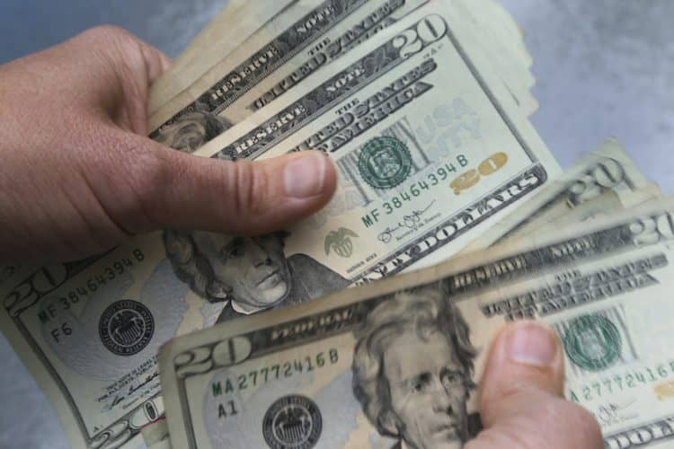 Вложения в пользу третьего лица в Сбербанке России