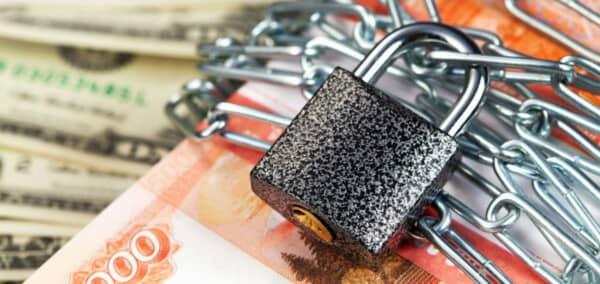 Почему блокируют вклады и счета в Сбербанке России