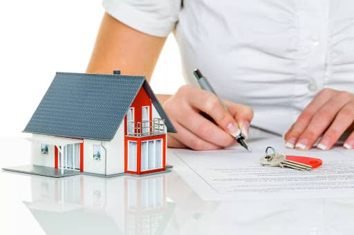 Берем ипотечный займ, используя два документа в Сбербанке