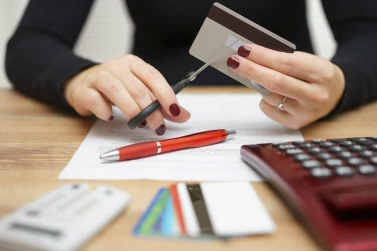 Особенности закрытия дебетовой карты ВТБ банка