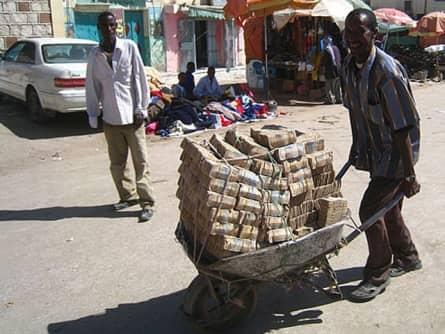 Руководитель Центрального банка Зимбабве получил Шнобелевскую премию по математике в 2009 г.