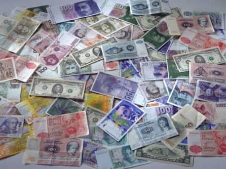 Переоцененная валюта способствует коррупции и мешает экспорту