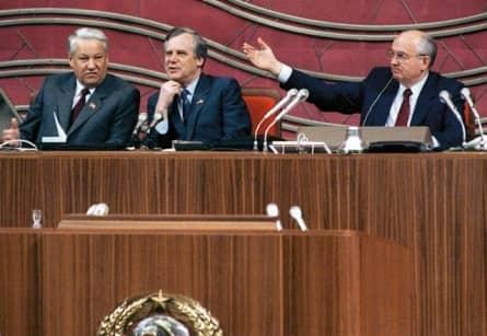 Как выступление Николая Рыжкова усугубило дефицит в СССР (1990 г.)