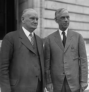 Как Закон Хоули-Смута усугубил Великую депрессию в США