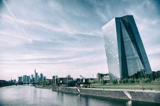 Современная денежно-кредитная политика: изменения в работе центральных банков