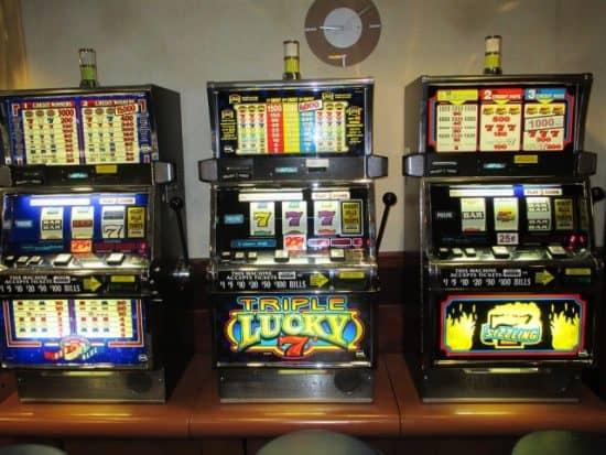 Преимущества и недостатки переноса игровых автоматов в Интернет