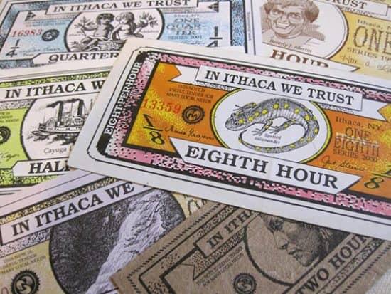 Итакский час - местная валюта, придуманная дизайнером Полом Гловером