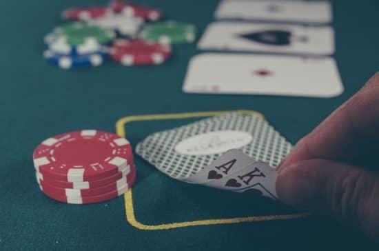 Как научиться зарабатывать на покере