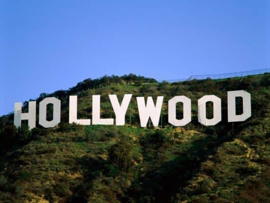 Почему Голливуд находится в Калифорнии