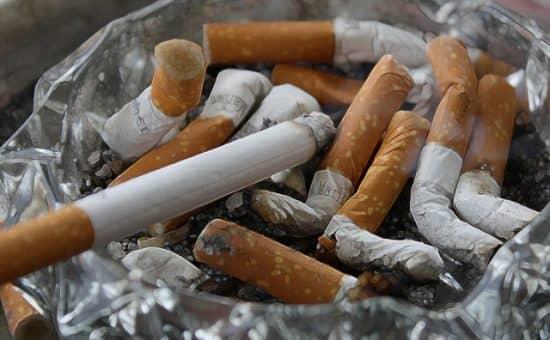 Польза от курения для страховых компаний и некурящих