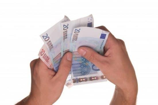 Зарплата в счет погашения долга: идея одной МФО
