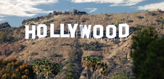 13 232 - количество снятых в США фильмов в 2016 году